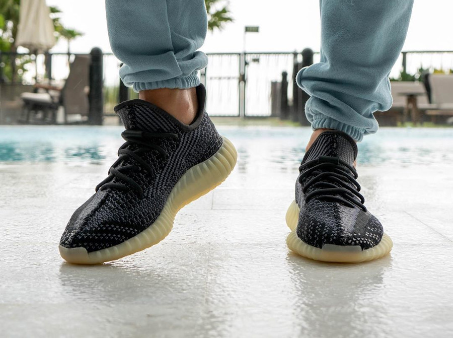 Adidas Yeezy Boost 350 V2 2020 en Primeknit gris et noir (3)