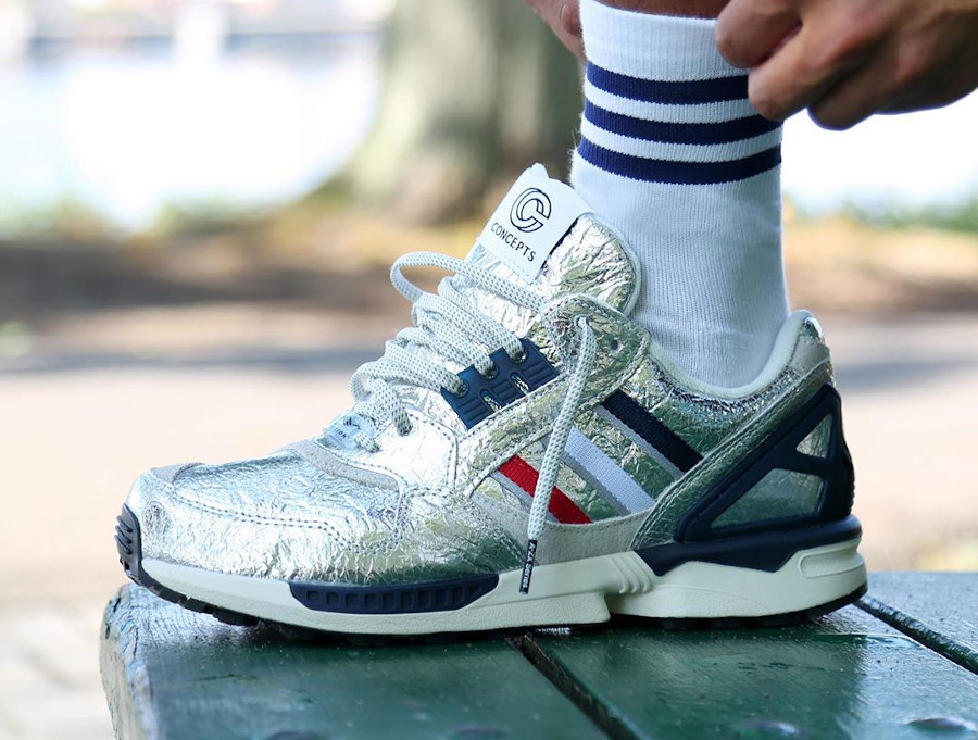 Adidas ZX9000 2020 en aluminium on feet (3)