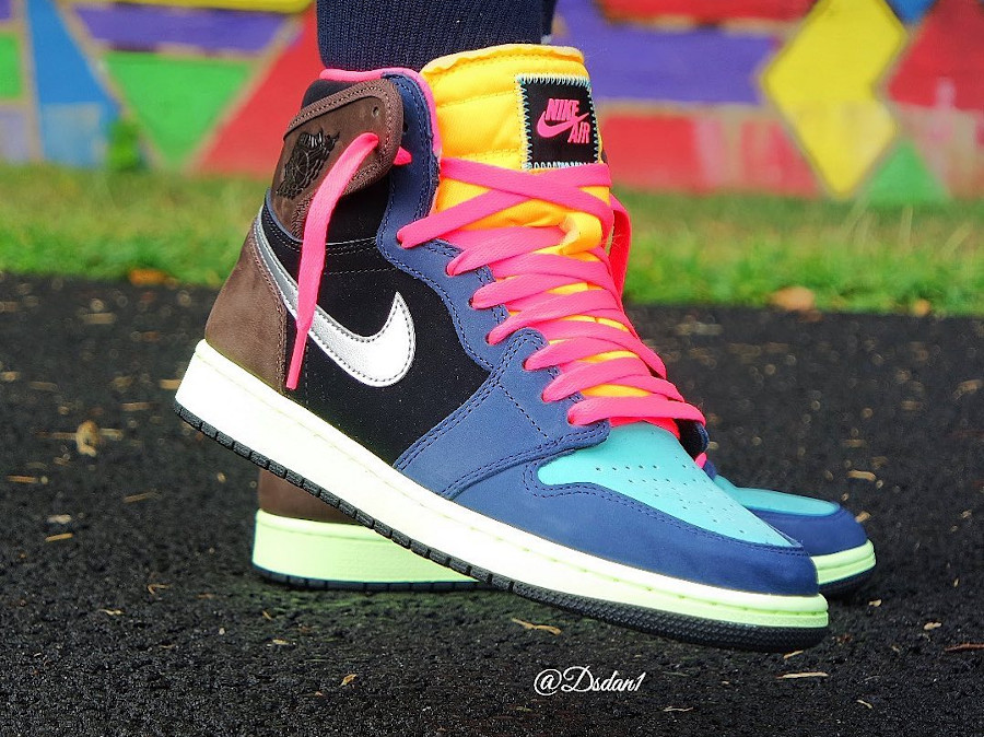 Air Jordan 1 Hi OG multicolore on feet (3)