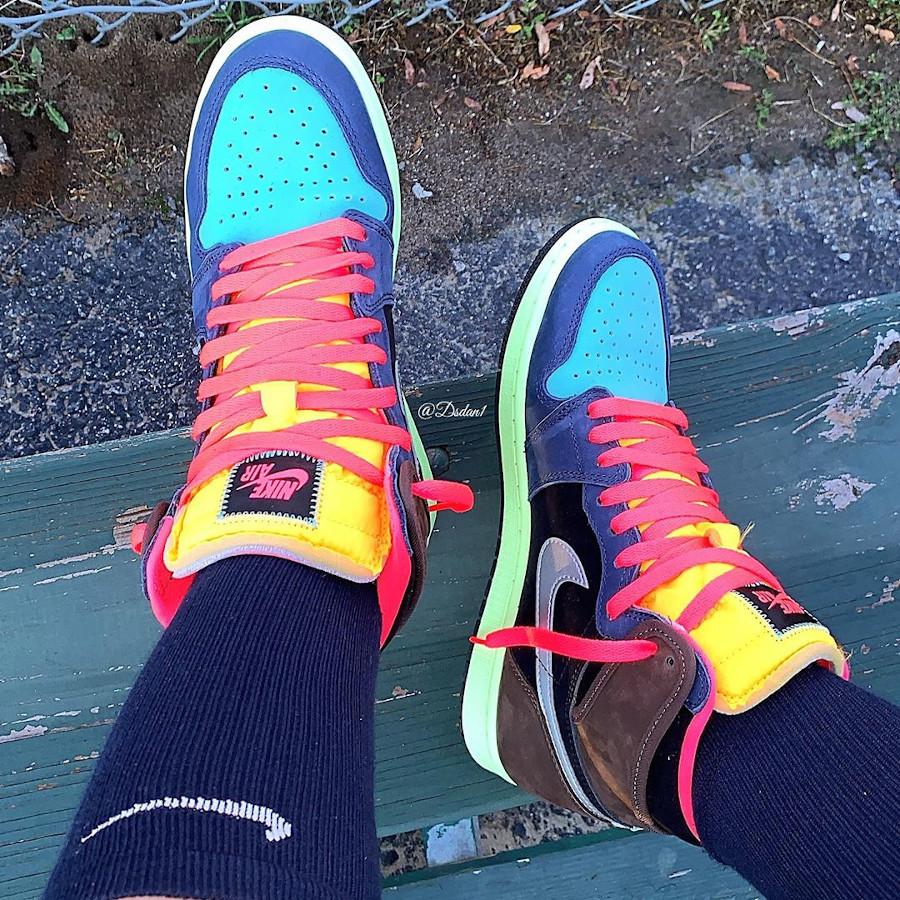 Air Jordan 1 Hi OG multicolore on feet (4)