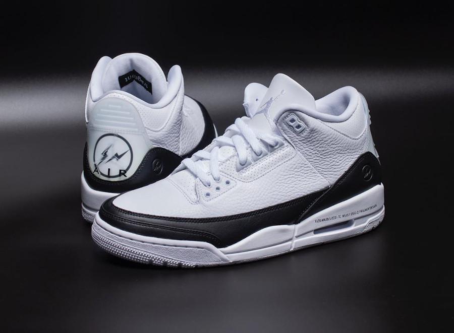 Air Jordan III 2020 blanche et noire (1)