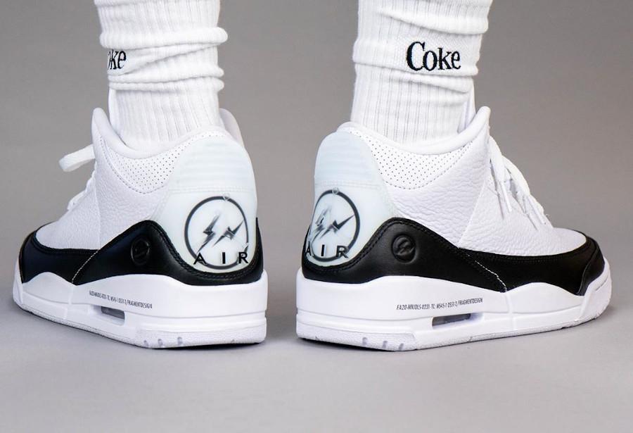 Air Jordan III 2020 blanche et noire on feet (1)