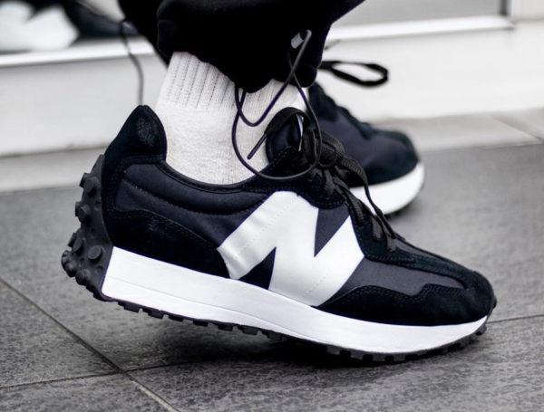 New Balance 327 noire et blanche (3)