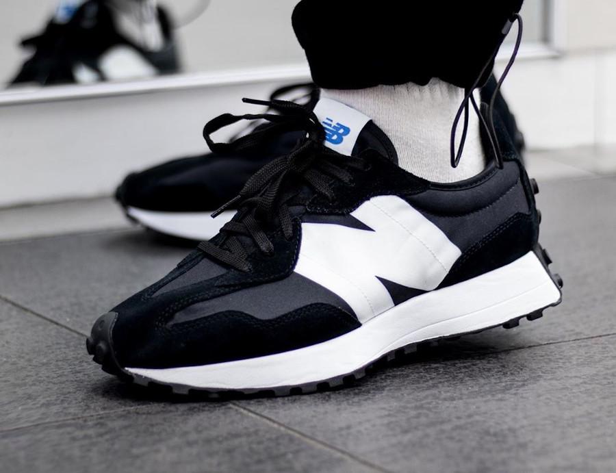 New Balance 327 noire et blanche (4)