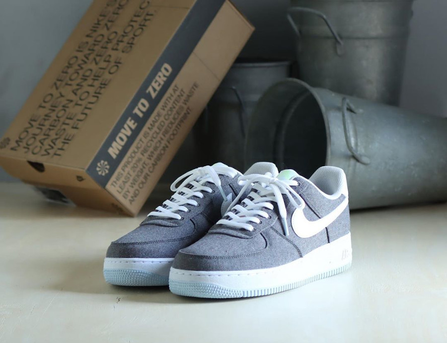 Nike Air Force One Low en toile recyclée grise (1)