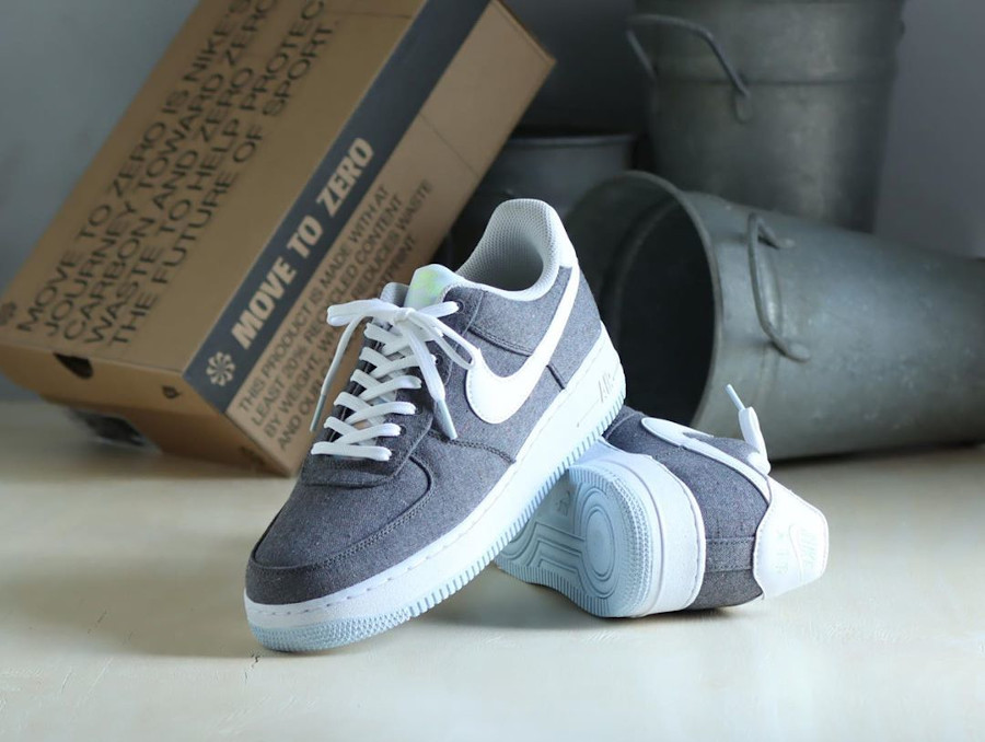 Nike Air Force One Low en toile recyclée grise (2)