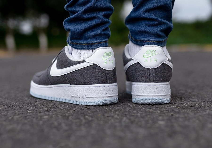 Nike Air Force One Low en toile recyclée grise (5)