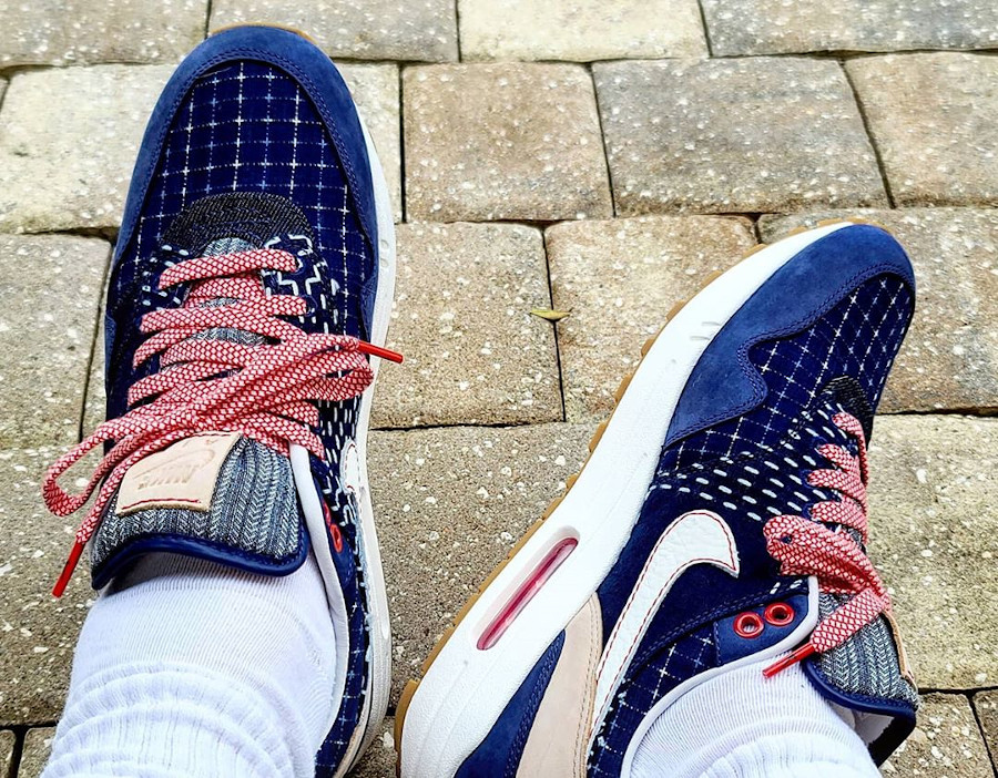 Nike Air Max 1 en jeans japonais bleu foncé on feet (2)