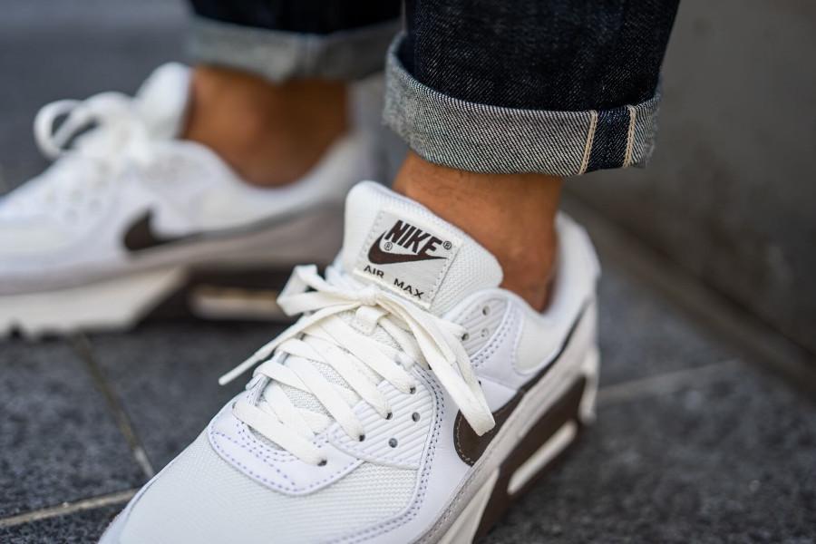 Nike Air Max 3 2020 marron blanc cassé et gris (1)