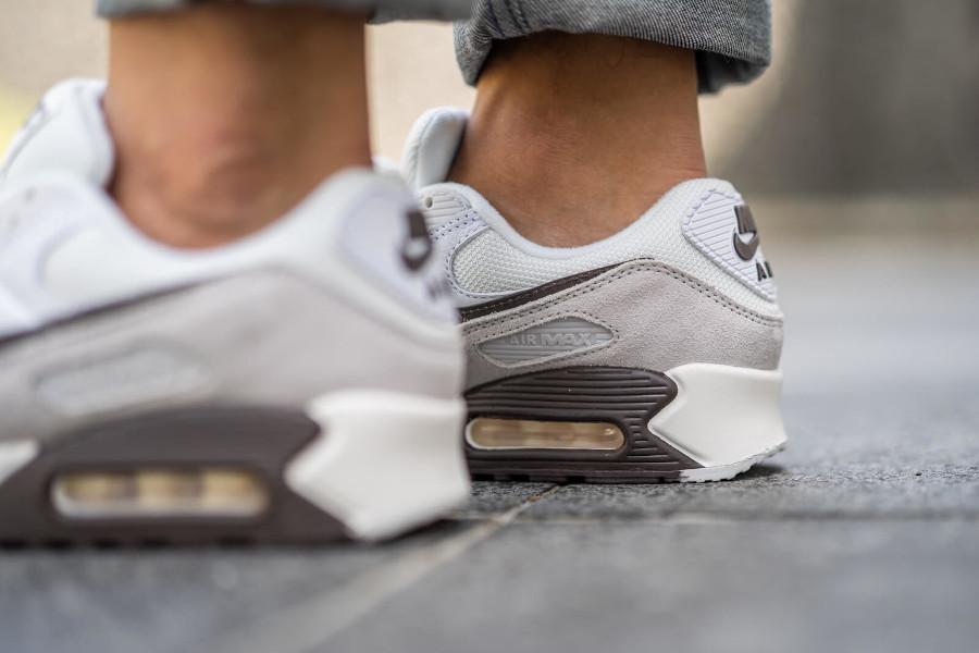 Nike Air Max 3 2020 marron blanc cassé et gris (2)