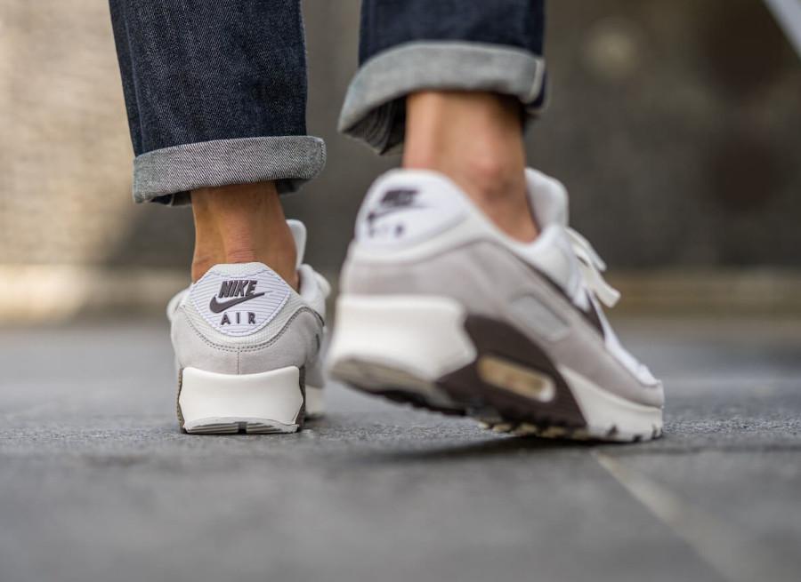 Nike Air Max 3 2020 marron blanc cassé et gris (3)