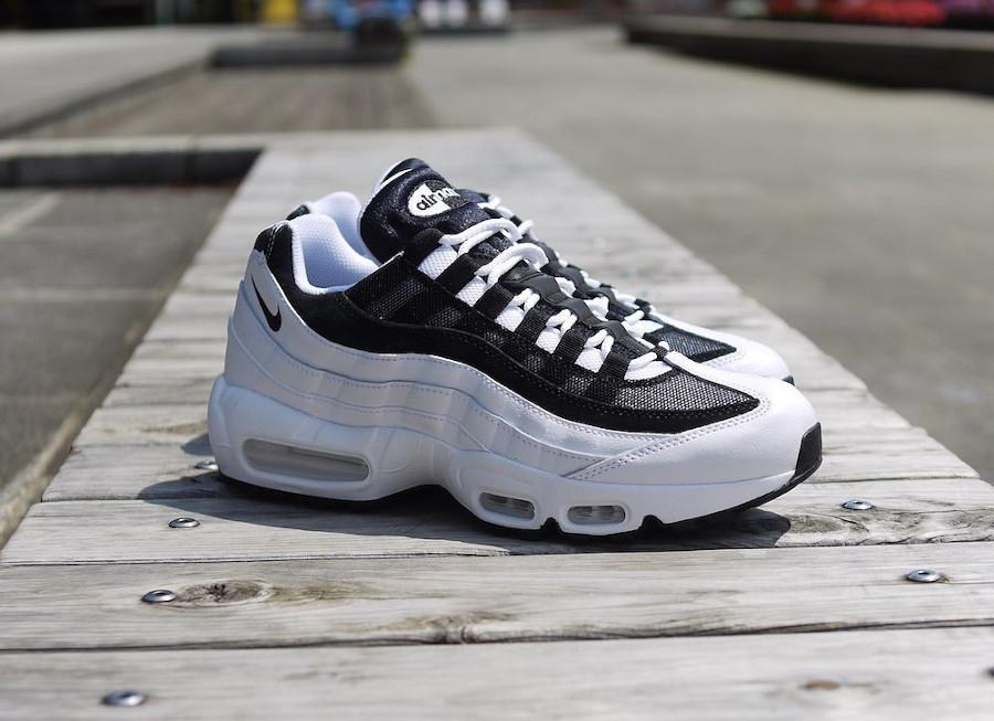 air max 95 essential noir et blanche