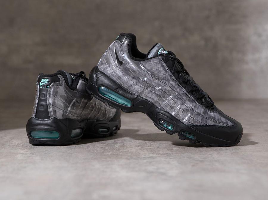 Nike Air Max 95 noire avec imprimé squelette (3-1)