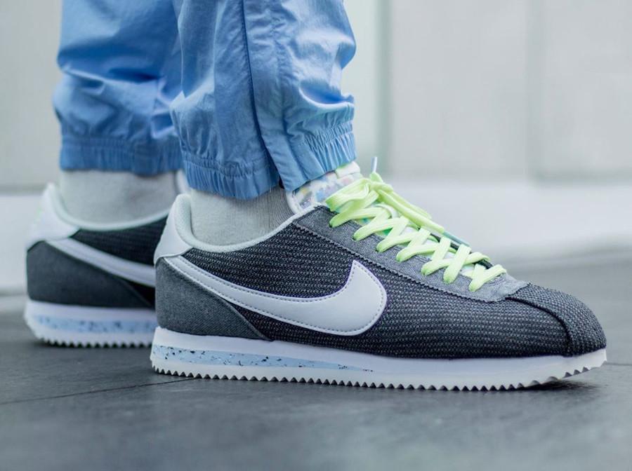 Nike Cortez en toile recyclée grise (5)