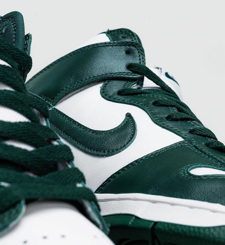 Nike Dunk High blanche et verte (Be True To Your School) (3)