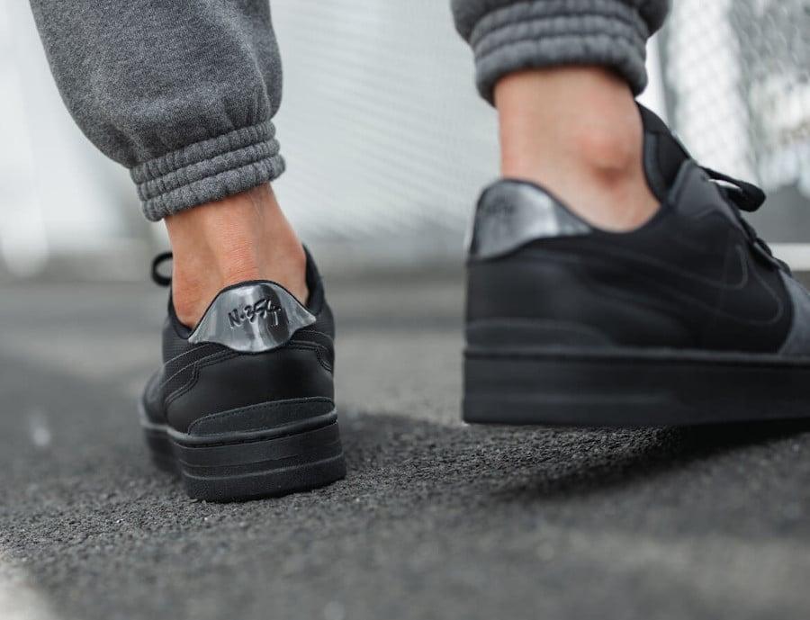 Nike Squash Type N.354 noire et grise on feet (3)