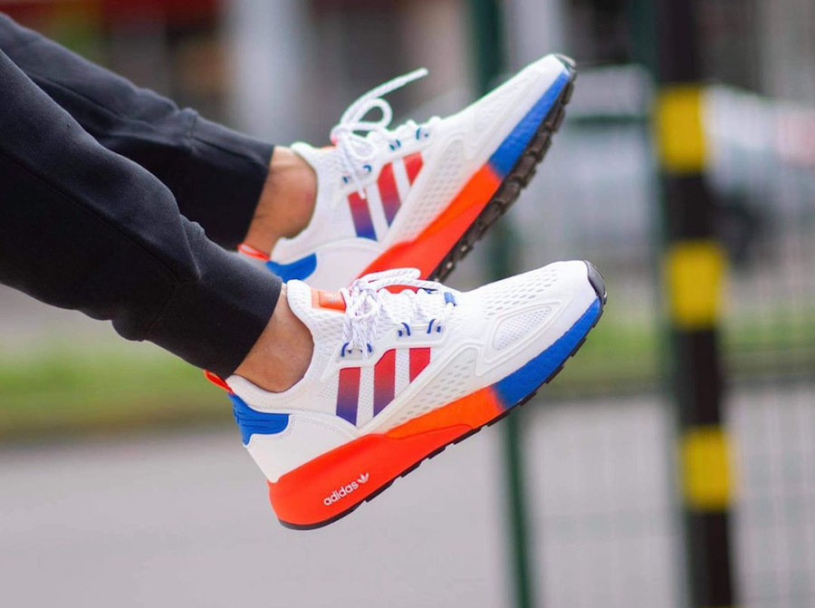 Adidas ZX 2K Boost blanche orange et bleue (2)