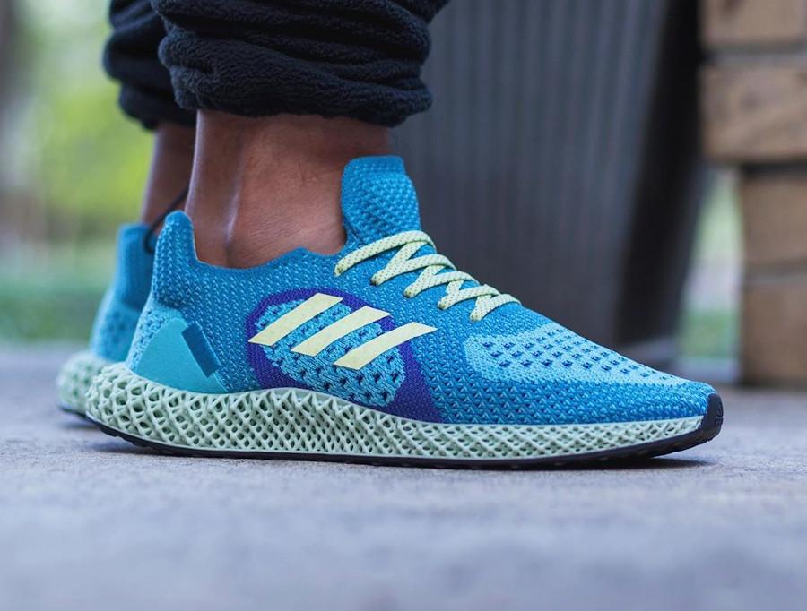 Adidas ZX 4D Runner bleu turquoise jaune et violet on feet (1)