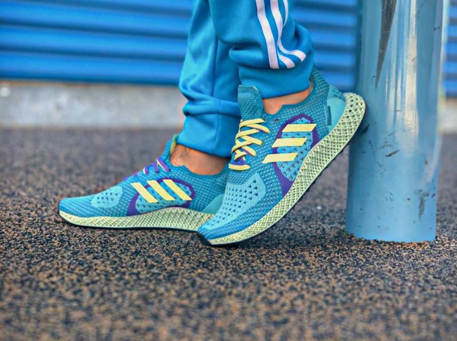 Adidas ZX 4D Runner bleu turquoise jaune et violet on feet (2)