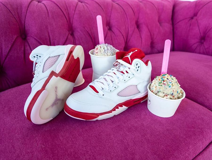 Air Jordan V Retro fille 2020 blanche rose et rouge (1)