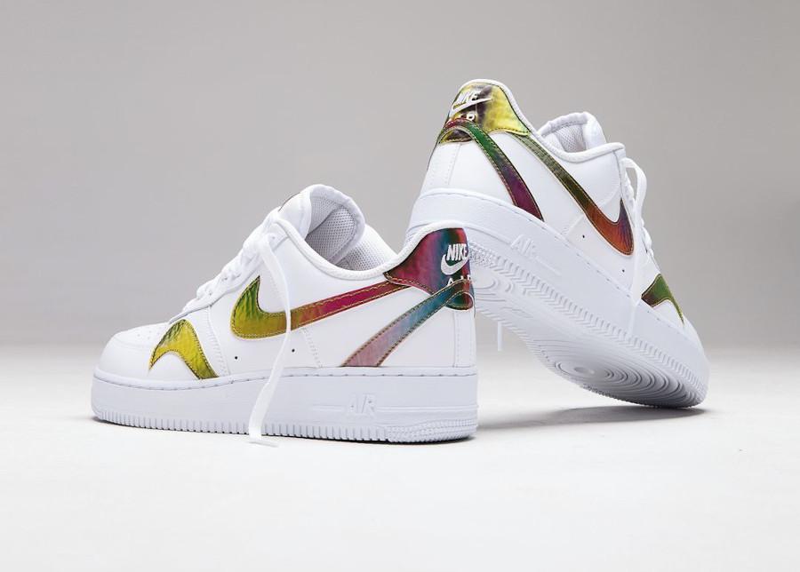 Nike Air Force 1 '07 LV8 blanche (virgules irisées) (1)