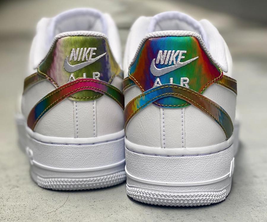 Nike Air Force 1 '07 LV8 blanche (virgules irisées) (2)