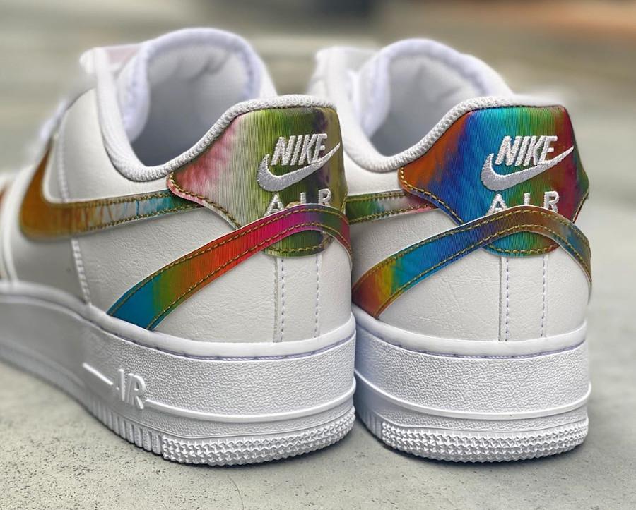 Nike Air Force 1 '07 LV8 blanche (virgules irisées) (3)