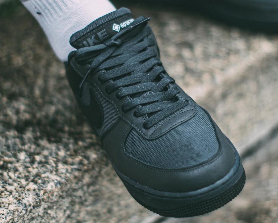 Nike Air Force 1 '07 Low 20' noire imperméable (2)