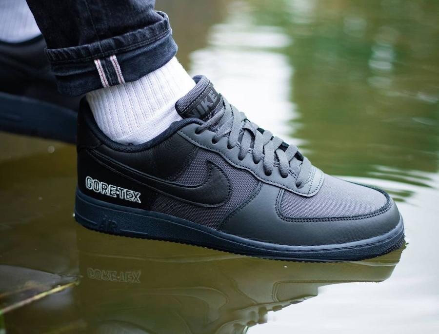 Nike Air Force 1 '07 Low 20' noire imperméable (3)