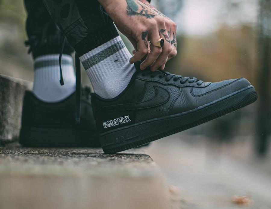 Nike Air Force 1 '07 Low 20' noire imperméable (4)