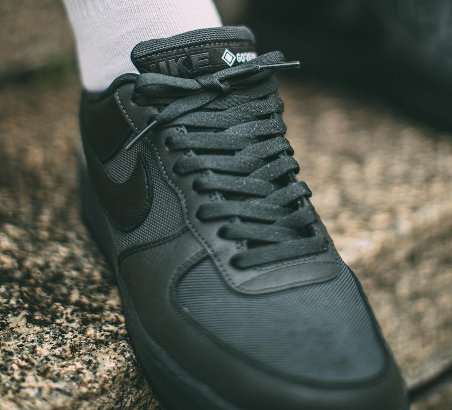 Nike Air Force 1 '07 Low 20' noire imperméable (5)