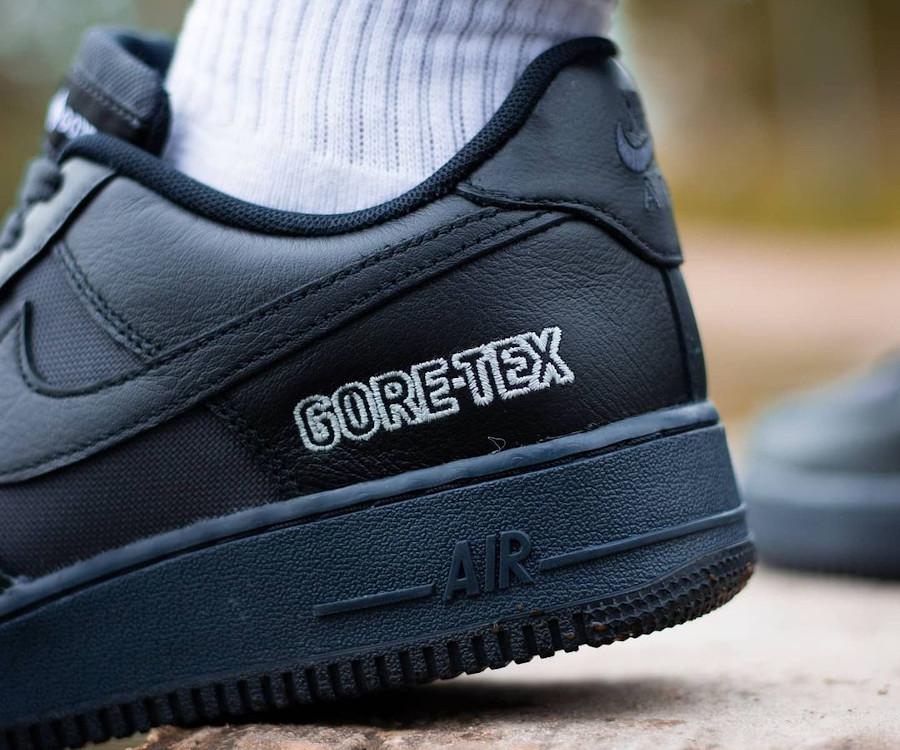 Nike Air Force 1 '07 Low 20' noire imperméable (6)