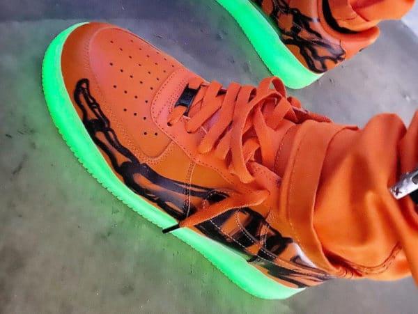 Nike Air Force 1 '07 QS Skeleton Orange Halloween 2020 CU8067-800 (couv)