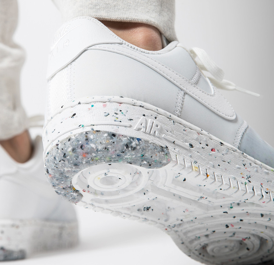 Nike-Air-Force-1-femme-recyclée-blanche-4