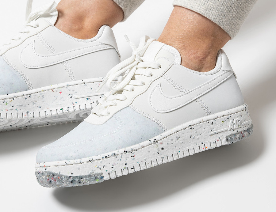 Nike-Air-Force-1-femme-recyclée-blanche-5