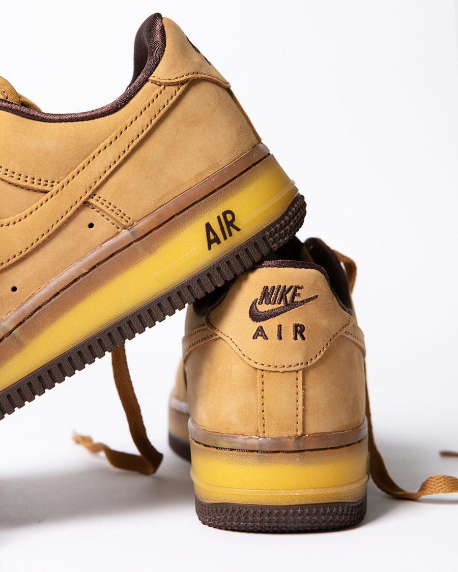Nike Air Force One en daim marron (semelle transparente) (2)