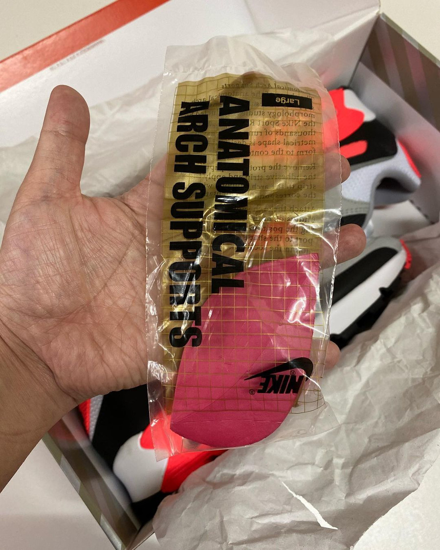 Nike Air Max 90 30th gris noir blanche et infrarouge (4)