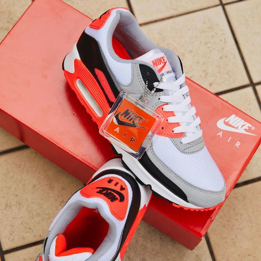 Nike Air Max 90 30th gris noir blanche et infrarouge (5)