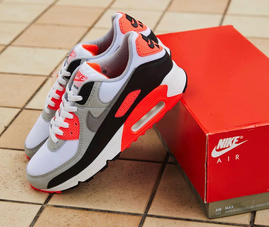 Nike Air Max 90 30th gris noir blanche et infrarouge (9)
