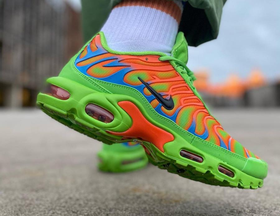 Nike Air Max Tuned 1 World Famous vert fluo et orange (3)