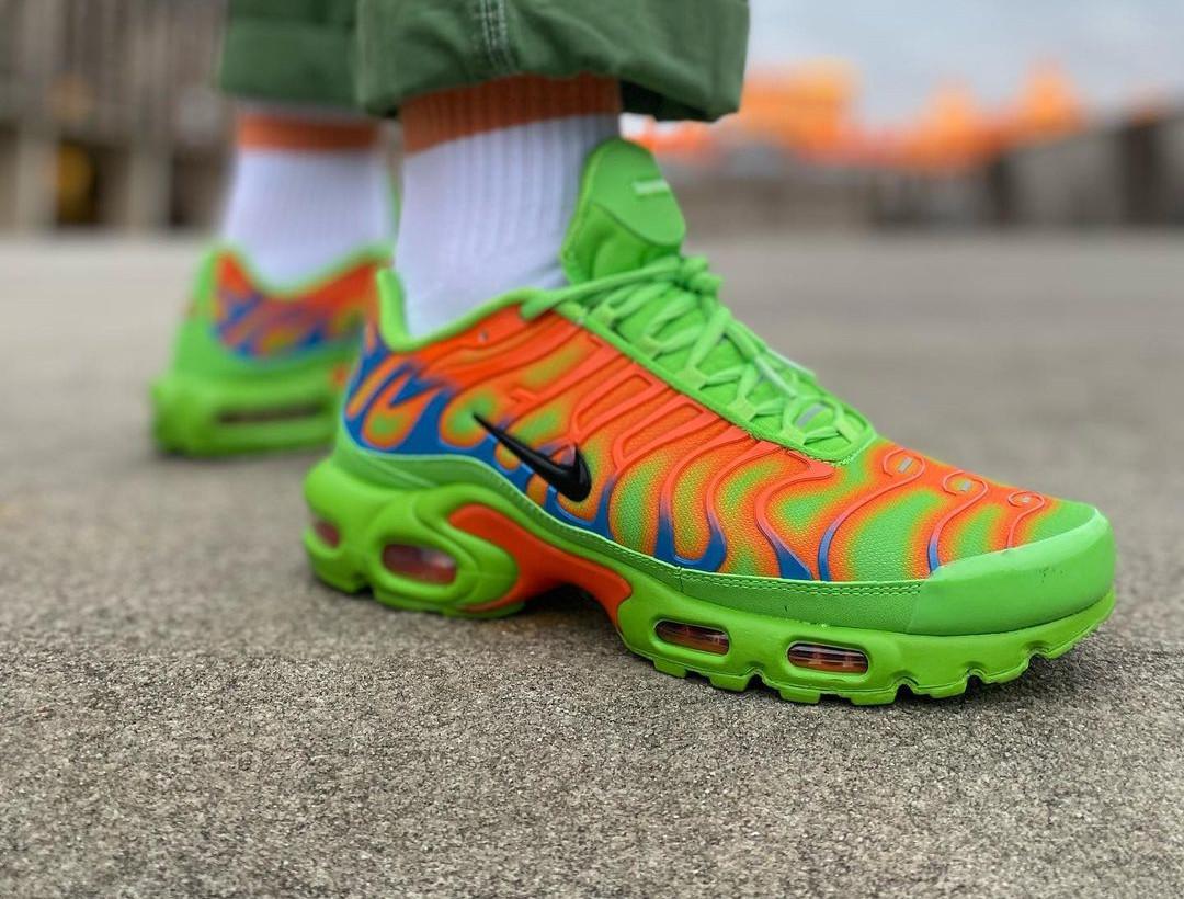 Nike Air Max Tuned 1 World Famous vert fluo et orange (5)