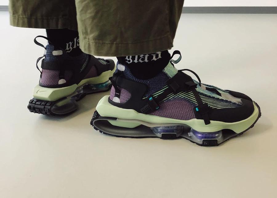 Nike ISPA Zoom Road Warrior gris bleu violet on feet (1)