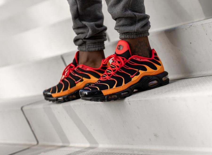 Nike TN Tuned 1 Air Max Plus Black Chile Red Vivid Orange (1)