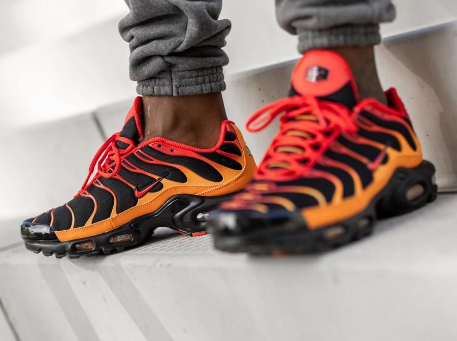 Nike TN Tuned 1 Air Max Plus Black Chile Red Vivid Orange (2)