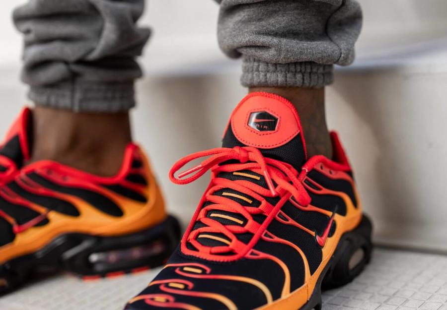 Nike TN Tuned 1 Air Max Plus Black Chile Red Vivid Orange (3)