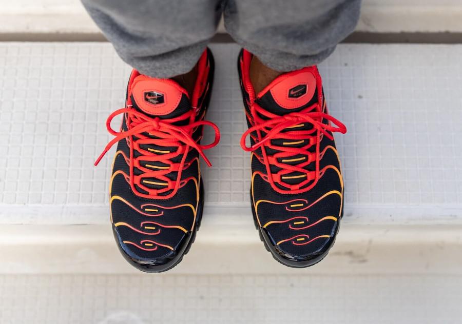Nike TN Tuned 1 Air Max Plus Black Chile Red Vivid Orange (5)