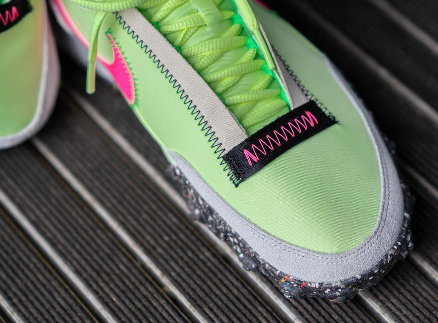 Nike Wmns Waffle Racer recyclée vert fluo et rose (2)