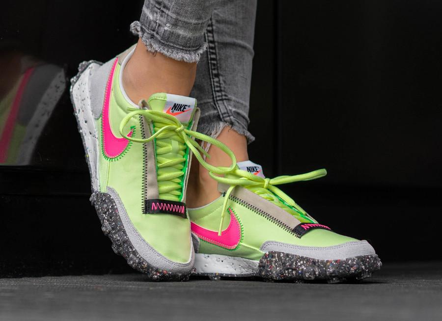 Nike Wmns Waffle Racer recyclée vert fluo et rose (3)
