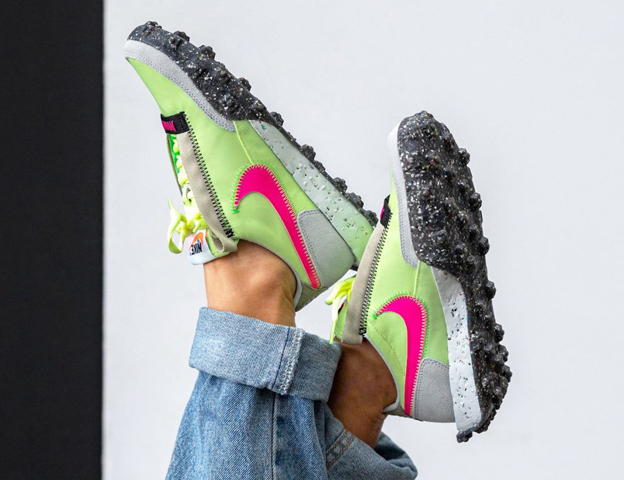 Nike Wmns Waffle Racer recyclée vert fluo et rose (4)