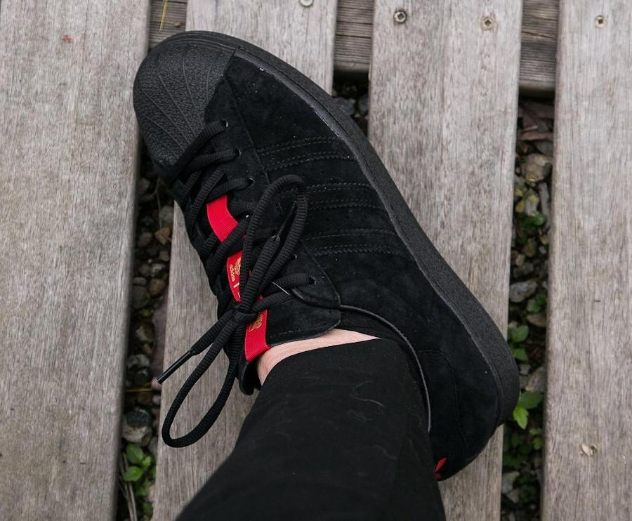 Adidas Superstar ADV en daim noir FY9025 (5)